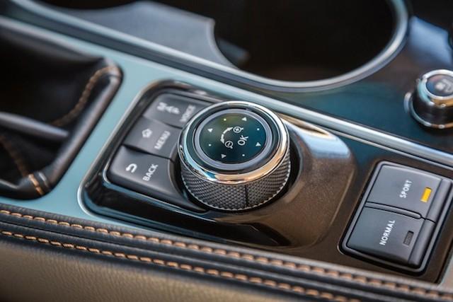 Nissan Maxima drive mode selector