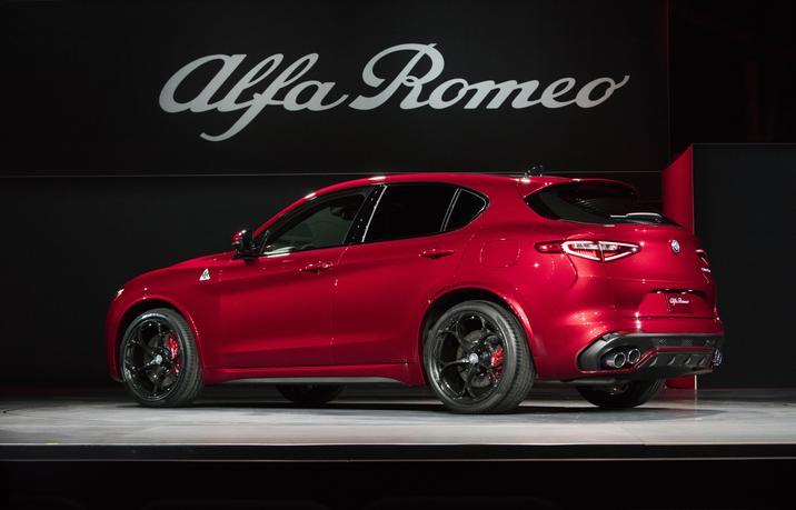 2018 Alfa Rome Stelvio Quadrifoglio