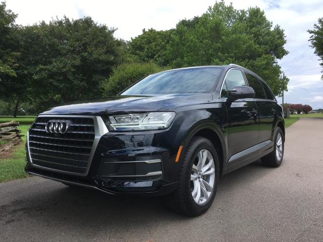 2017 Audi Q7.