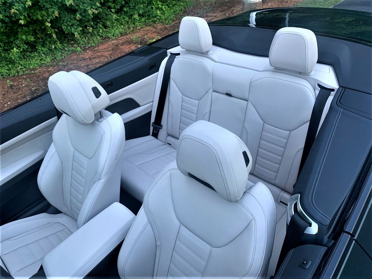 BMW M440i overall seats