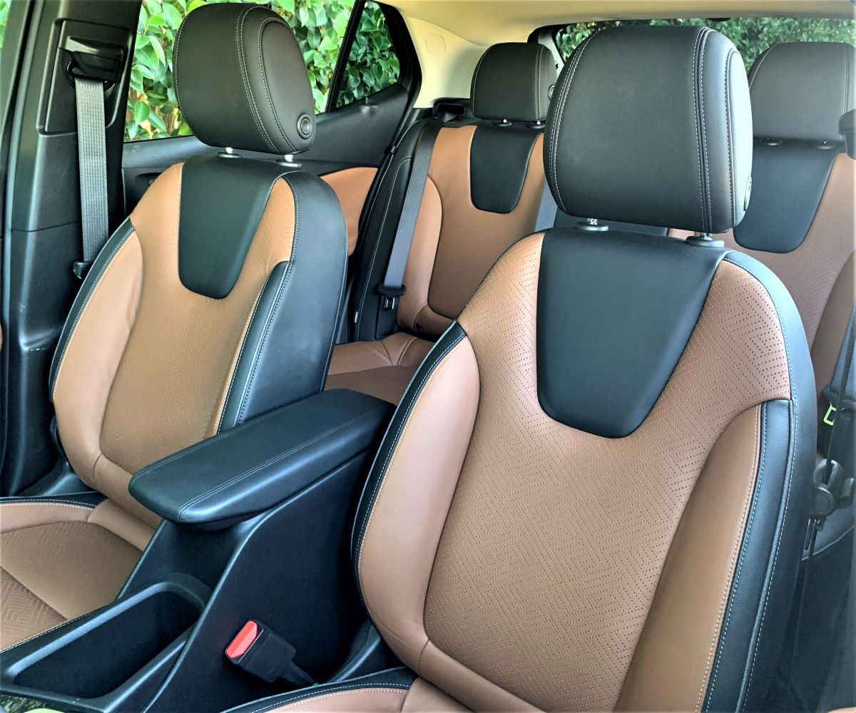 2021 Buick Encore GX front seats