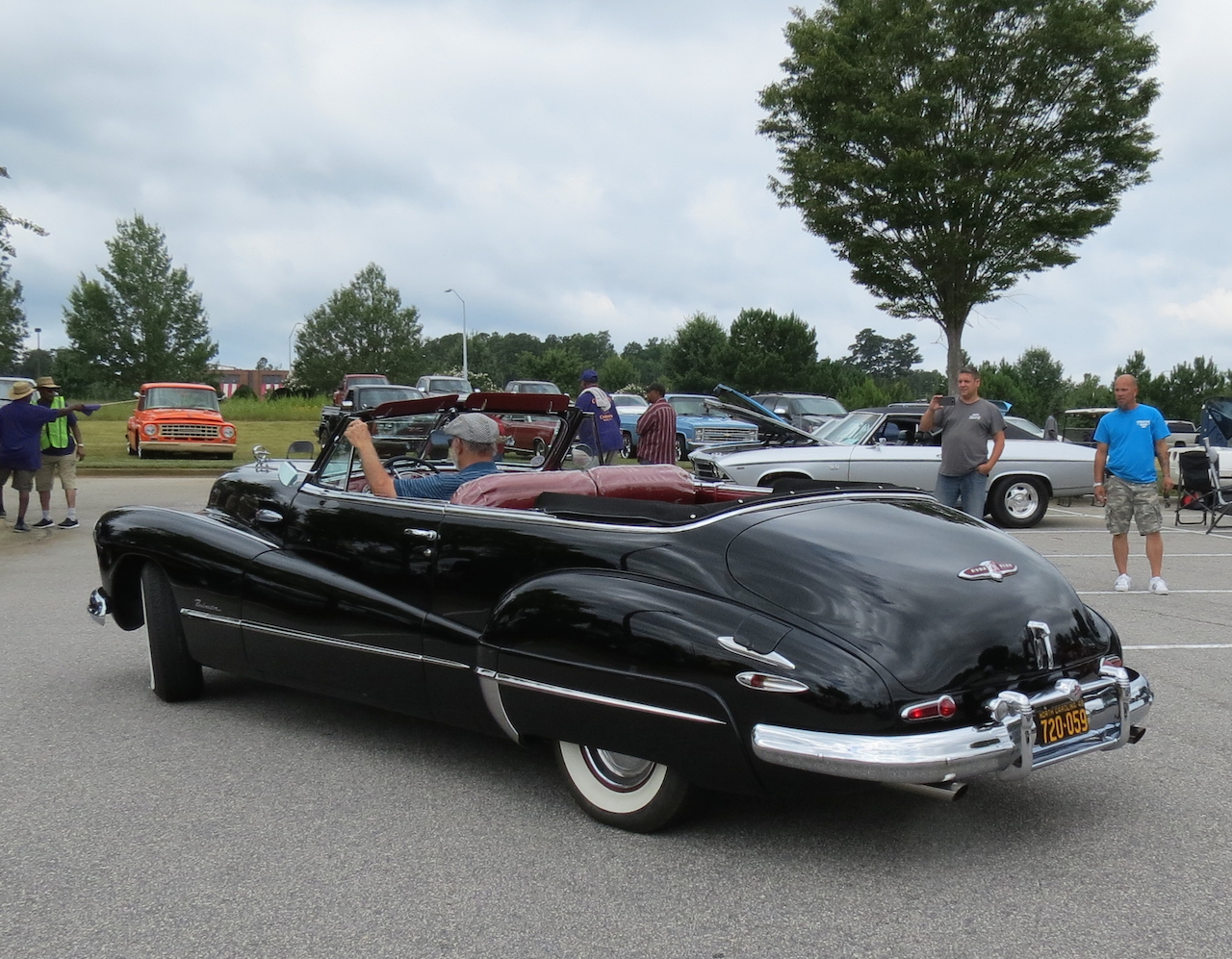 1948 Buick Roadmaster Convertible Capital City Cruisers