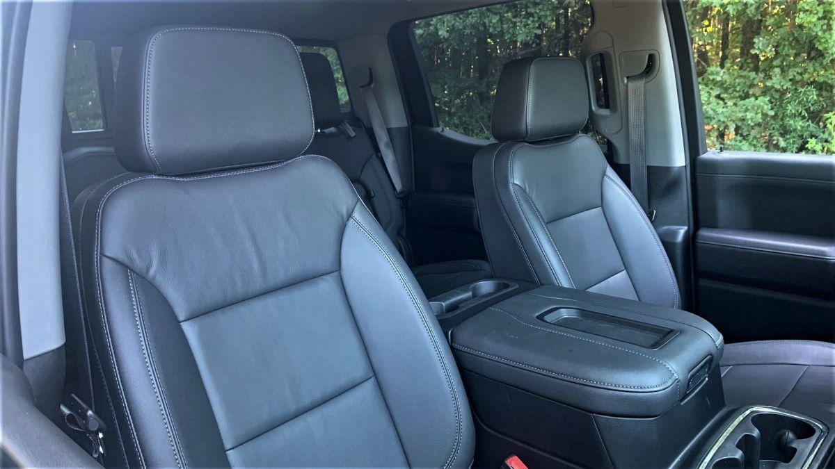 2021 Chevrolet Silverado front seats