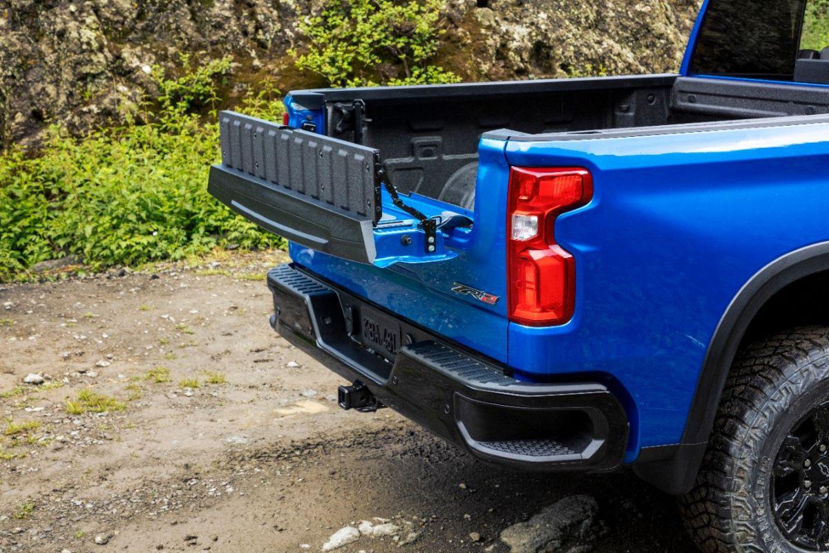 2022 Chevrolet Silverado tailgate