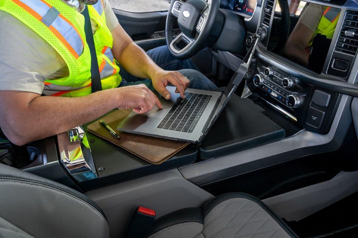 2021 Ford F-150 Hybrid workstation
