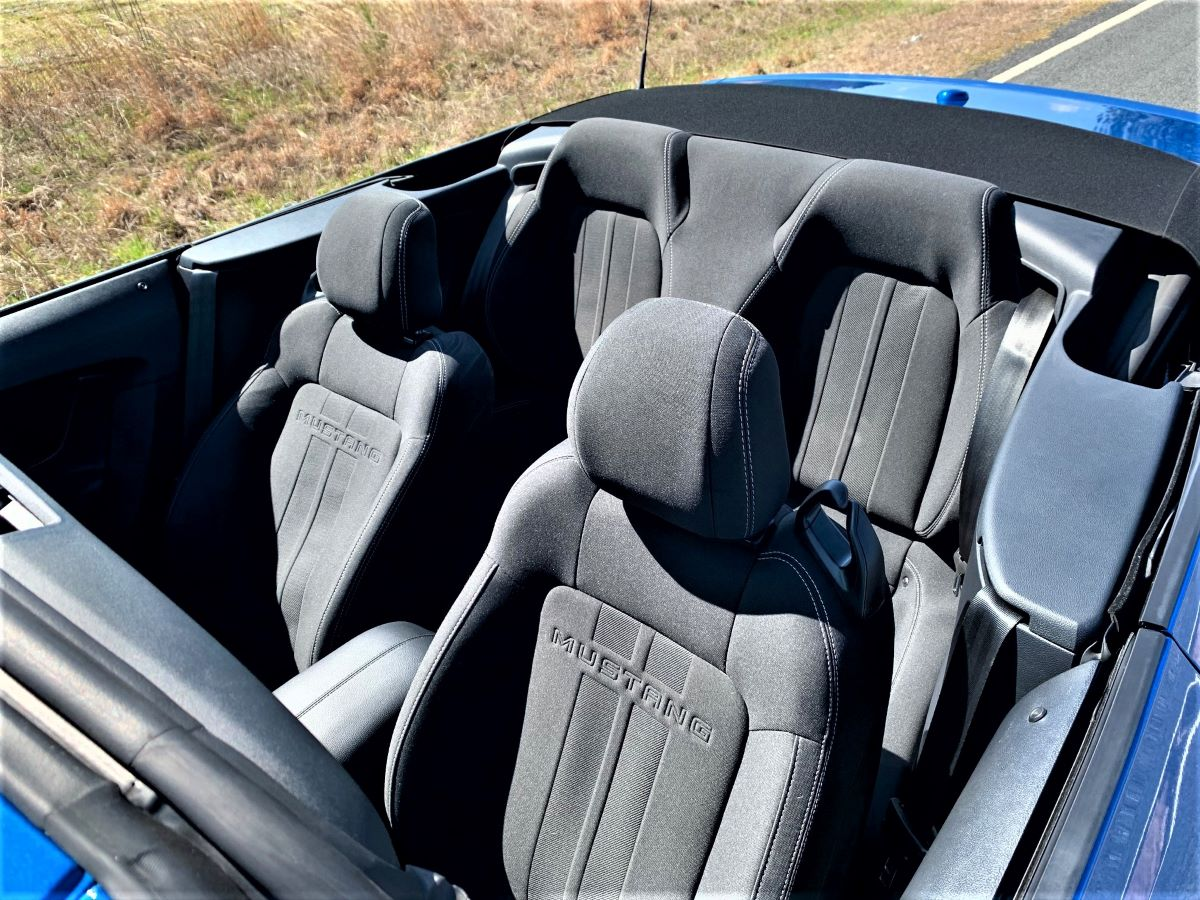Ford Mustang Convertible seats