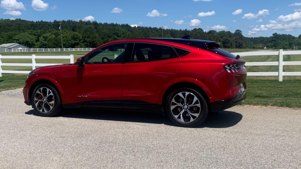 2021 Ford Mustang Mach-E profile