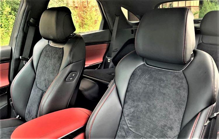 2022 Infiniti GV70 front seats