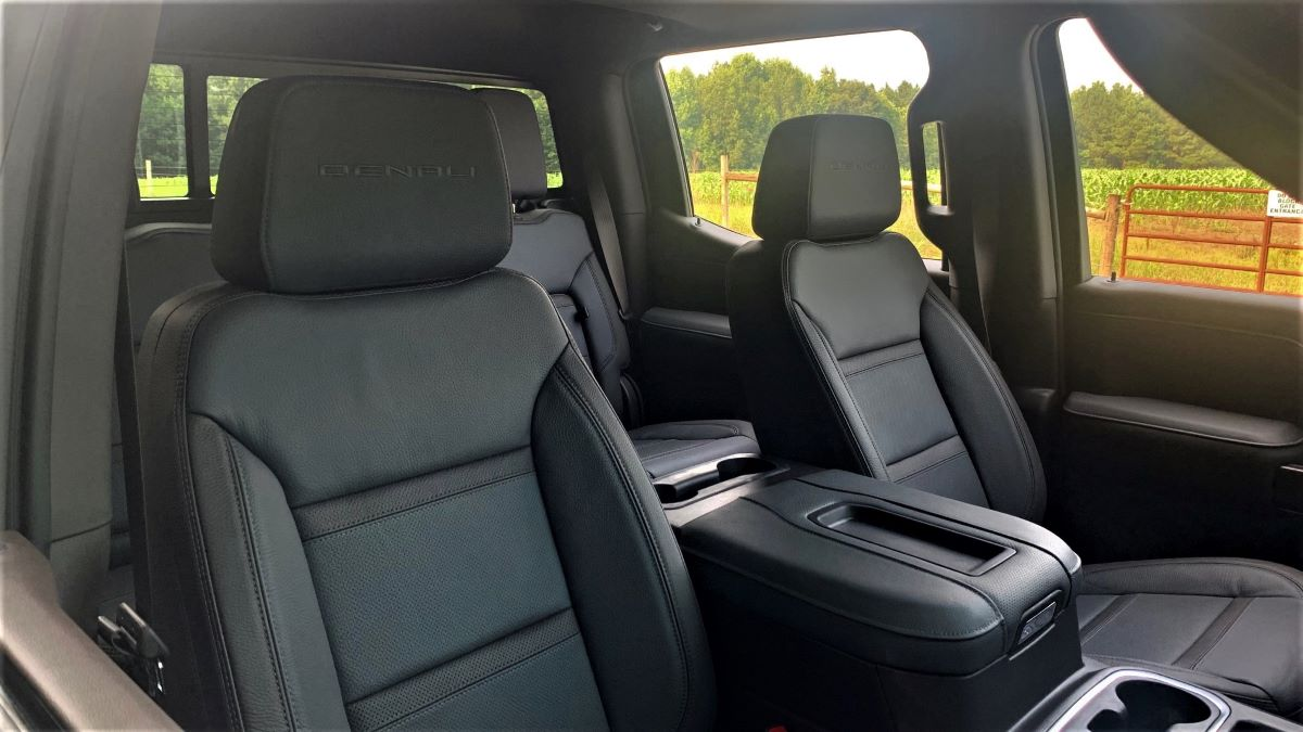 2021 GMC Sierra front seats