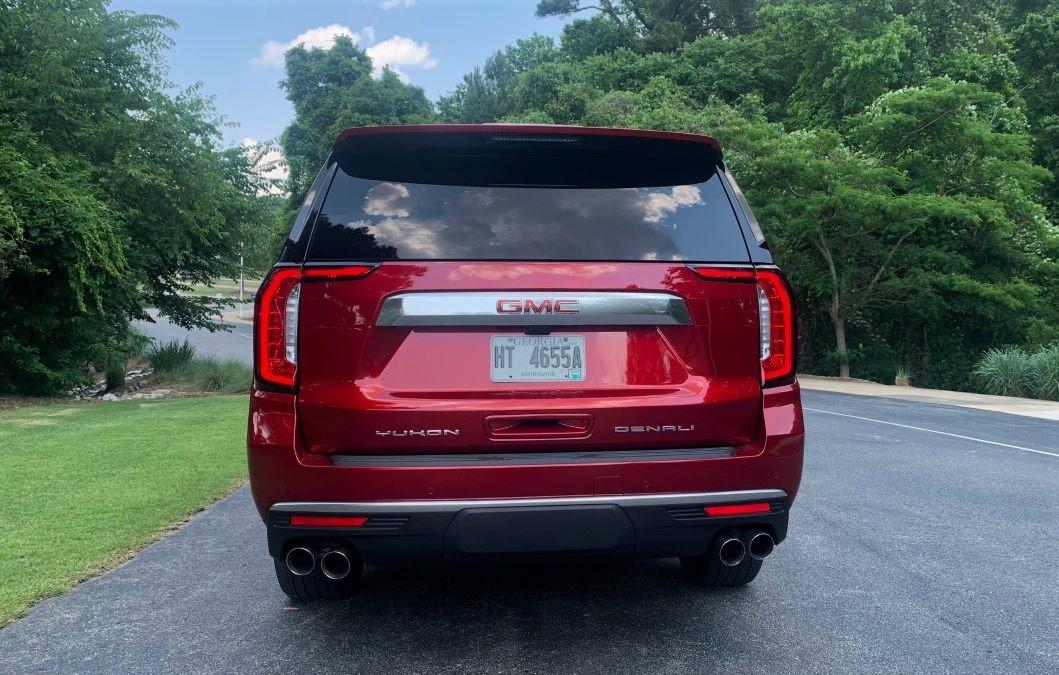 2021 GMC Yukon XL rear fascia