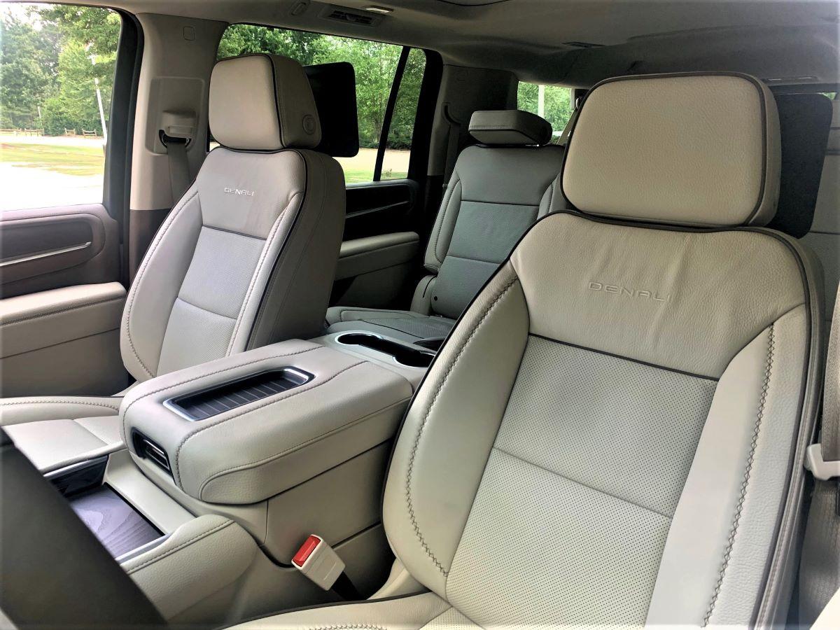 2021 GMC Yukon XL front-row seats