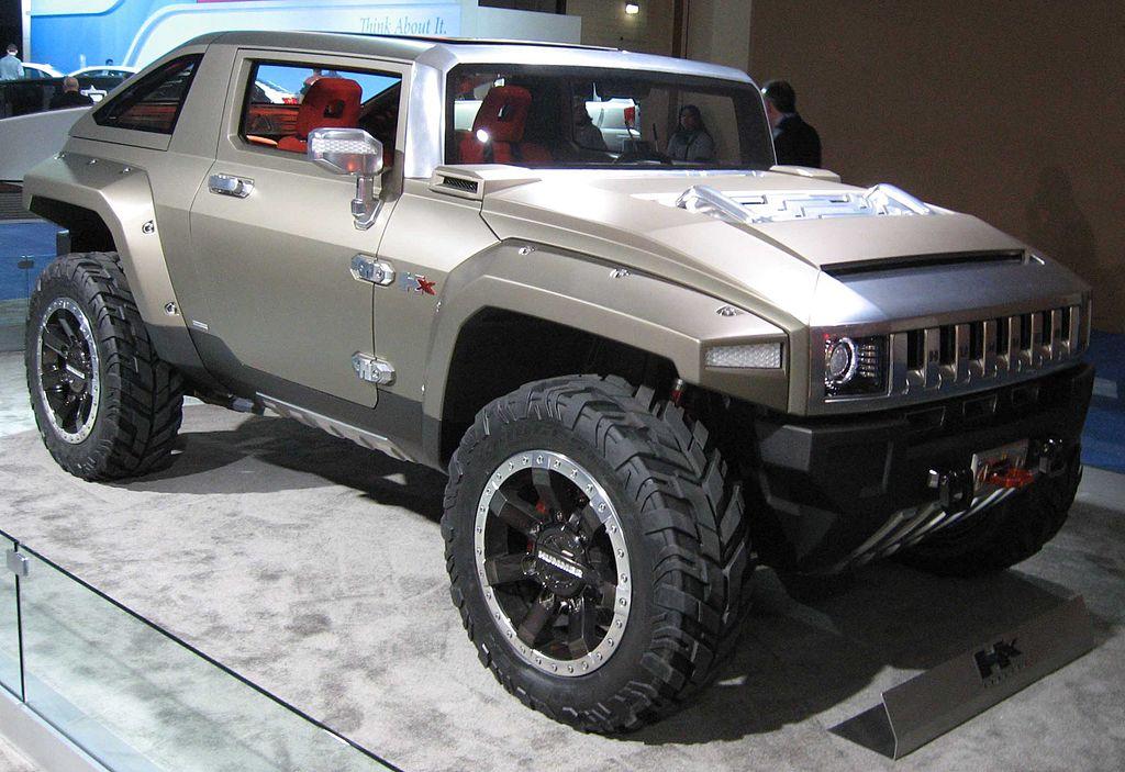 Hummer HX concept car.
