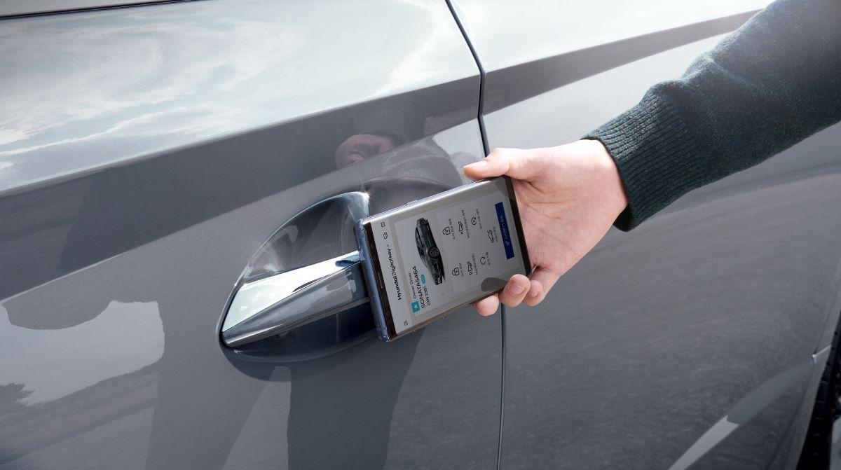 2021 Hyundai Sonata door opening app