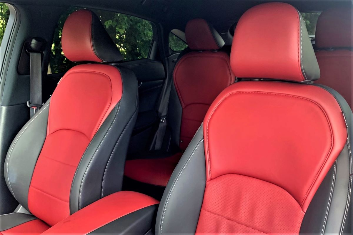 2022 Infiniti QX55 front seats