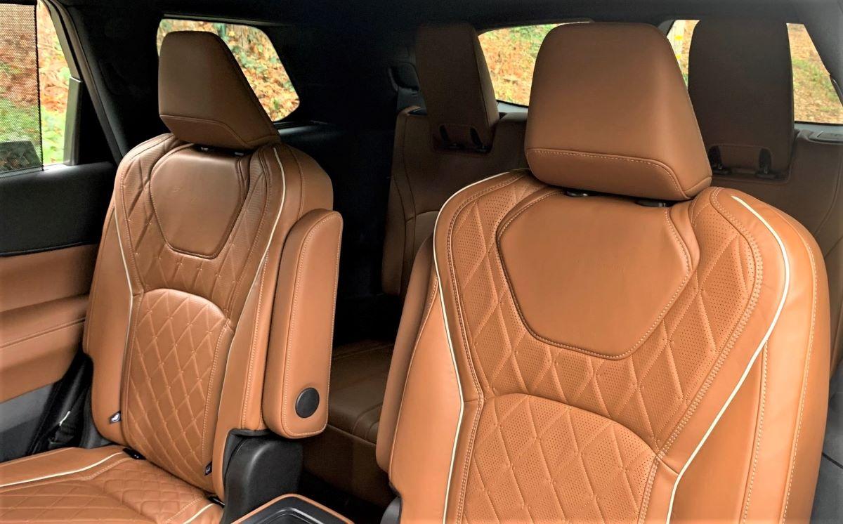 2022 Infiniti QX60 rear seats
