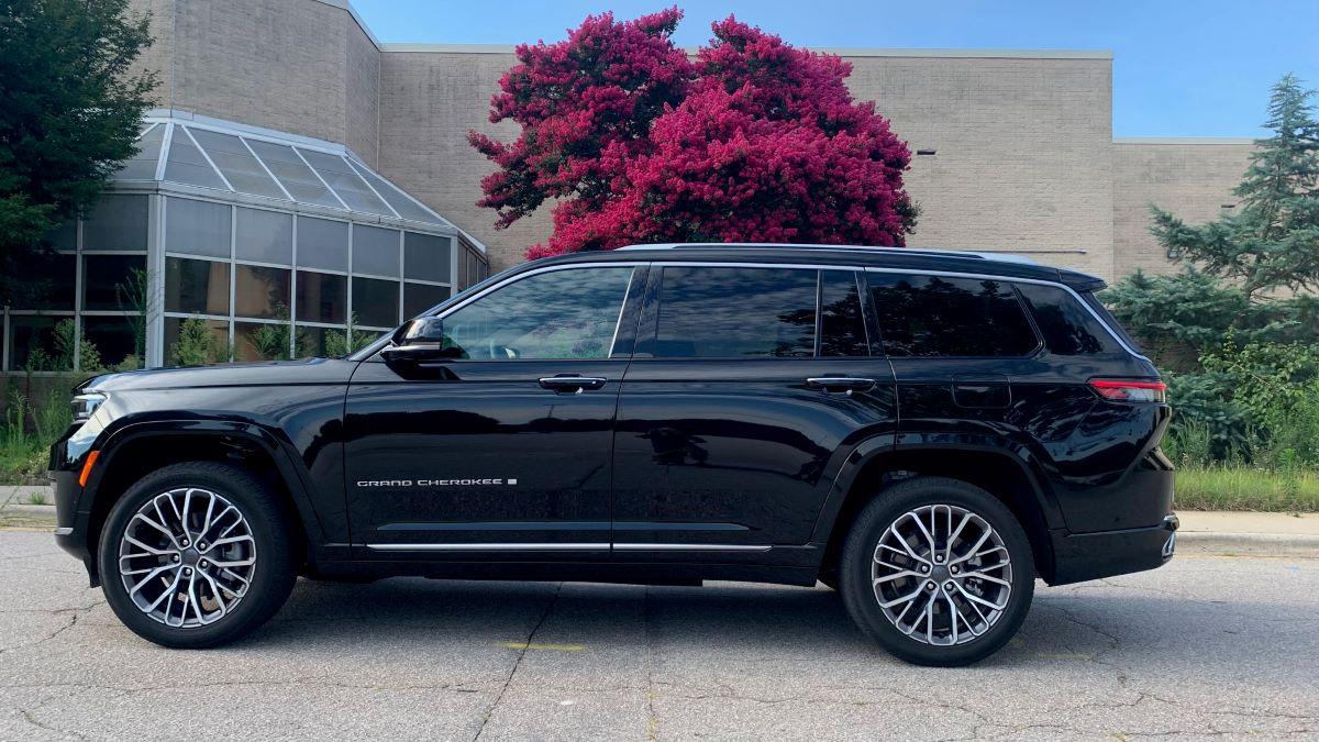 2021 Jeep Grand Cherokee L profile