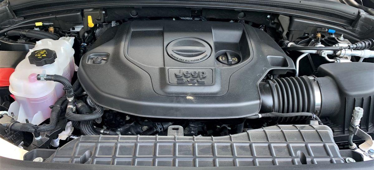 2021 Jeep Grand Cherokee V6 engine