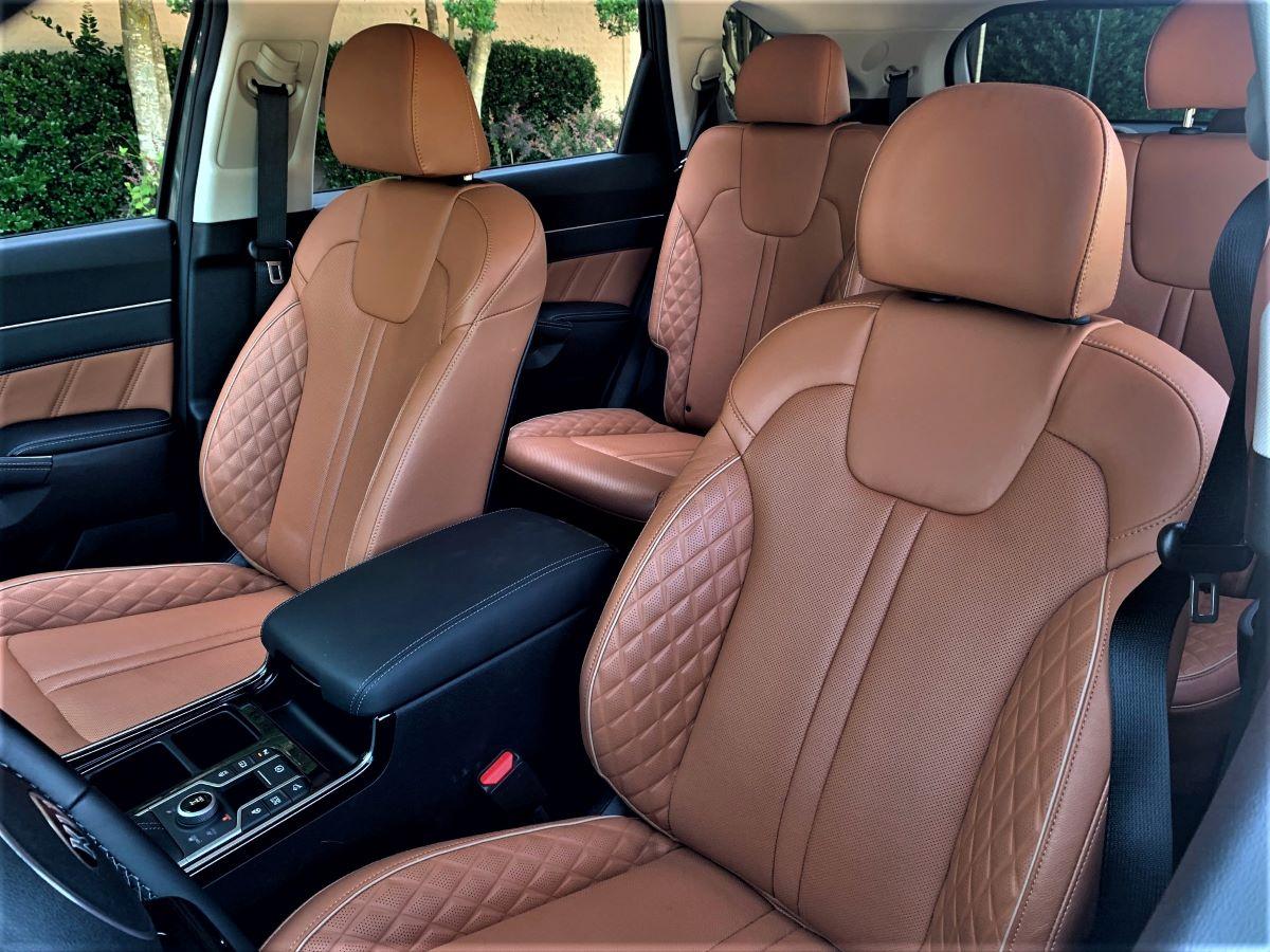 2021 Kia Sorento front seats