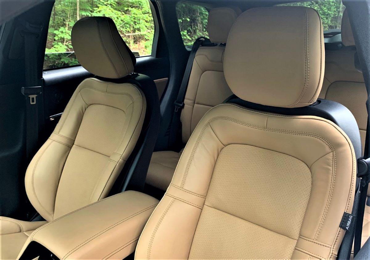 2021 Lincoln Corsair front seats