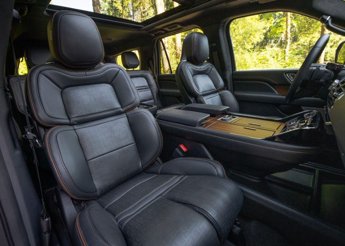 2022 Lincoln Navigator cabin