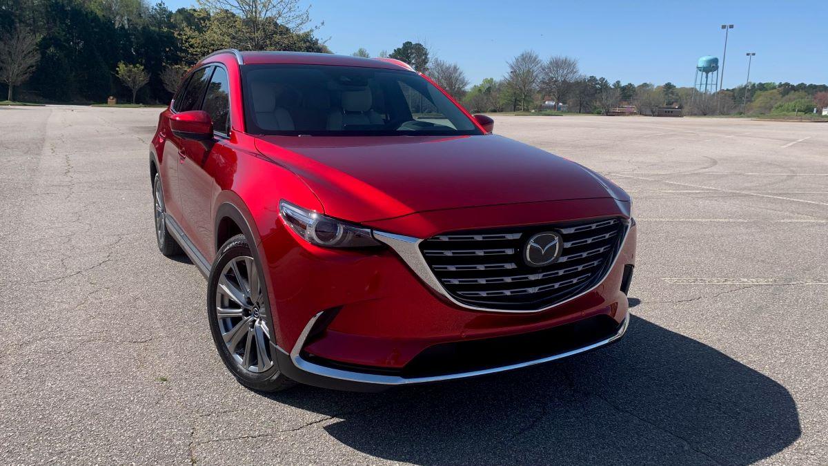 Mazda CX-9 front three quarter view