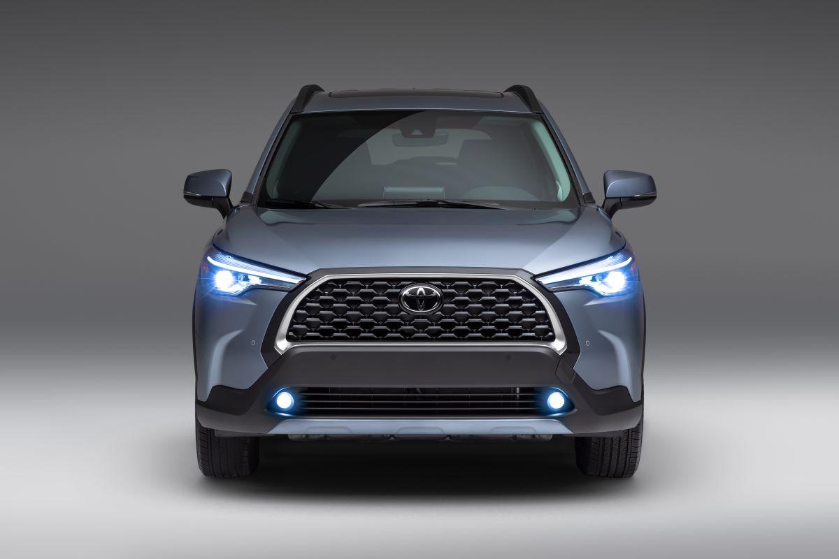 2022 Toyota Corolla Cross front fascia