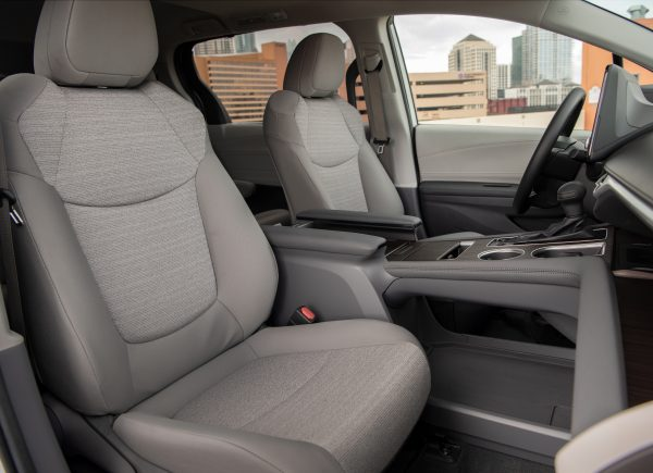 Toyota Sienna Hybrid front seats