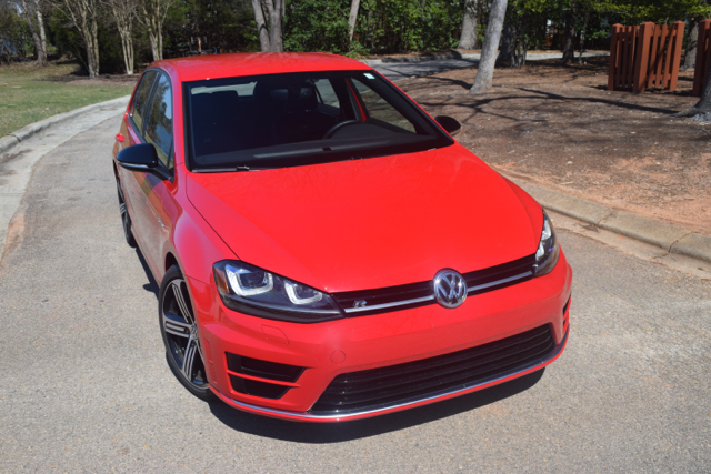 2017 Volkswagen Golf R.