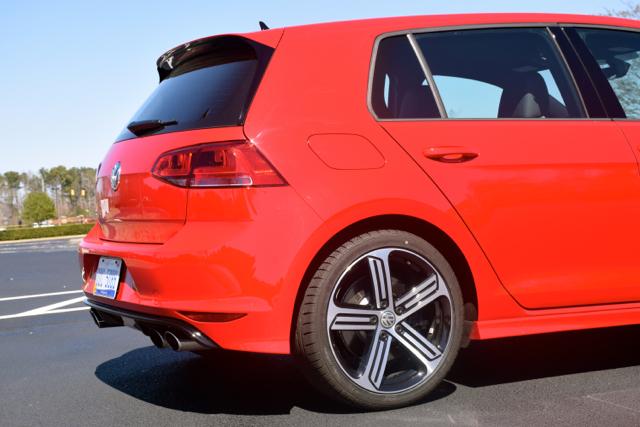 2017 Volkswagen Golf R.