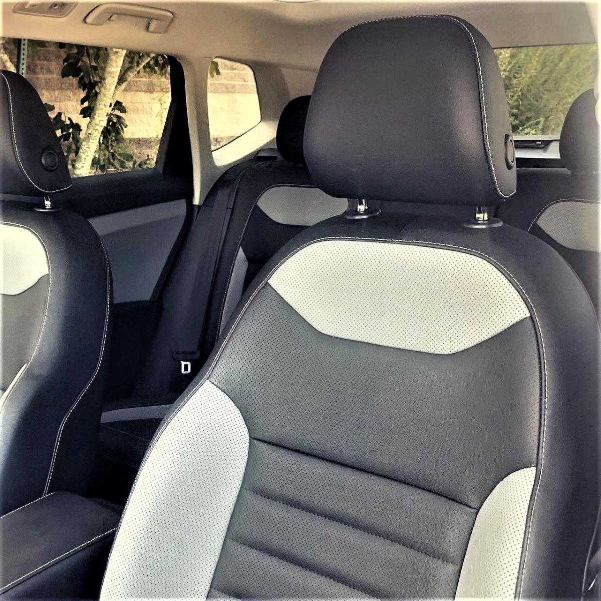 Volkswagen Taos front seats