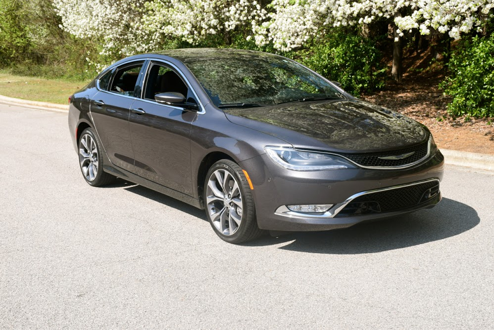 2016 Chrysler 200C.