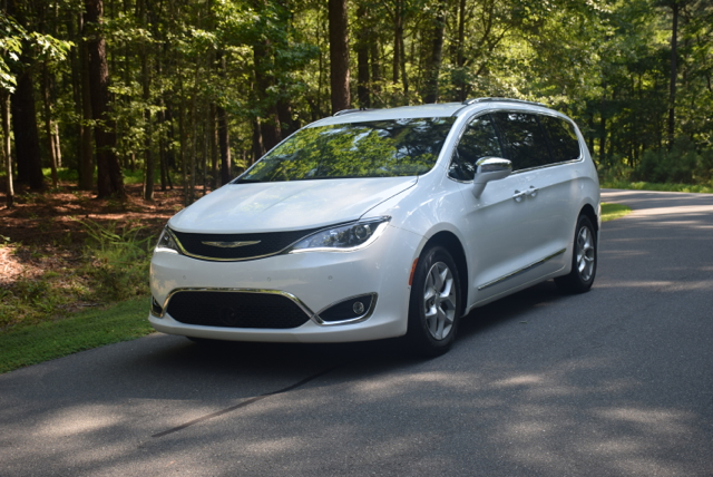2017 Chrysler Pacifica.